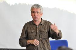 Andrej.Ban.prednasa.jpg - Letný žurnalistický seminár 2011