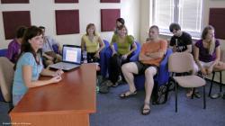 Ludia.z.prezentacneho.seminara.jpg - Letný žurnalistický seminár 2011